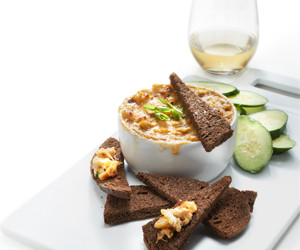 Maryland Crab Dip Pairs With Vouvray Sec