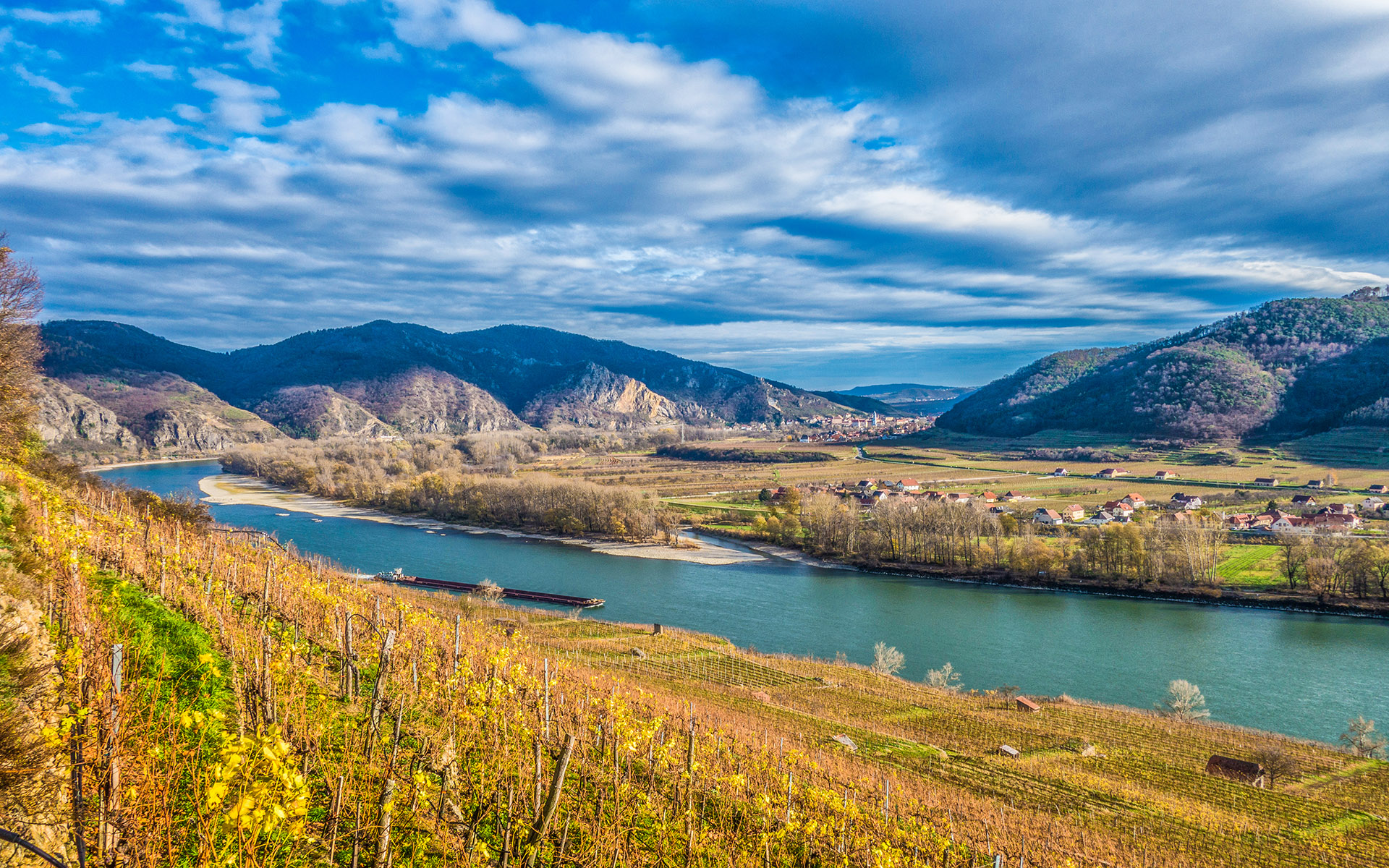 Danube river running through the Wachu Valley