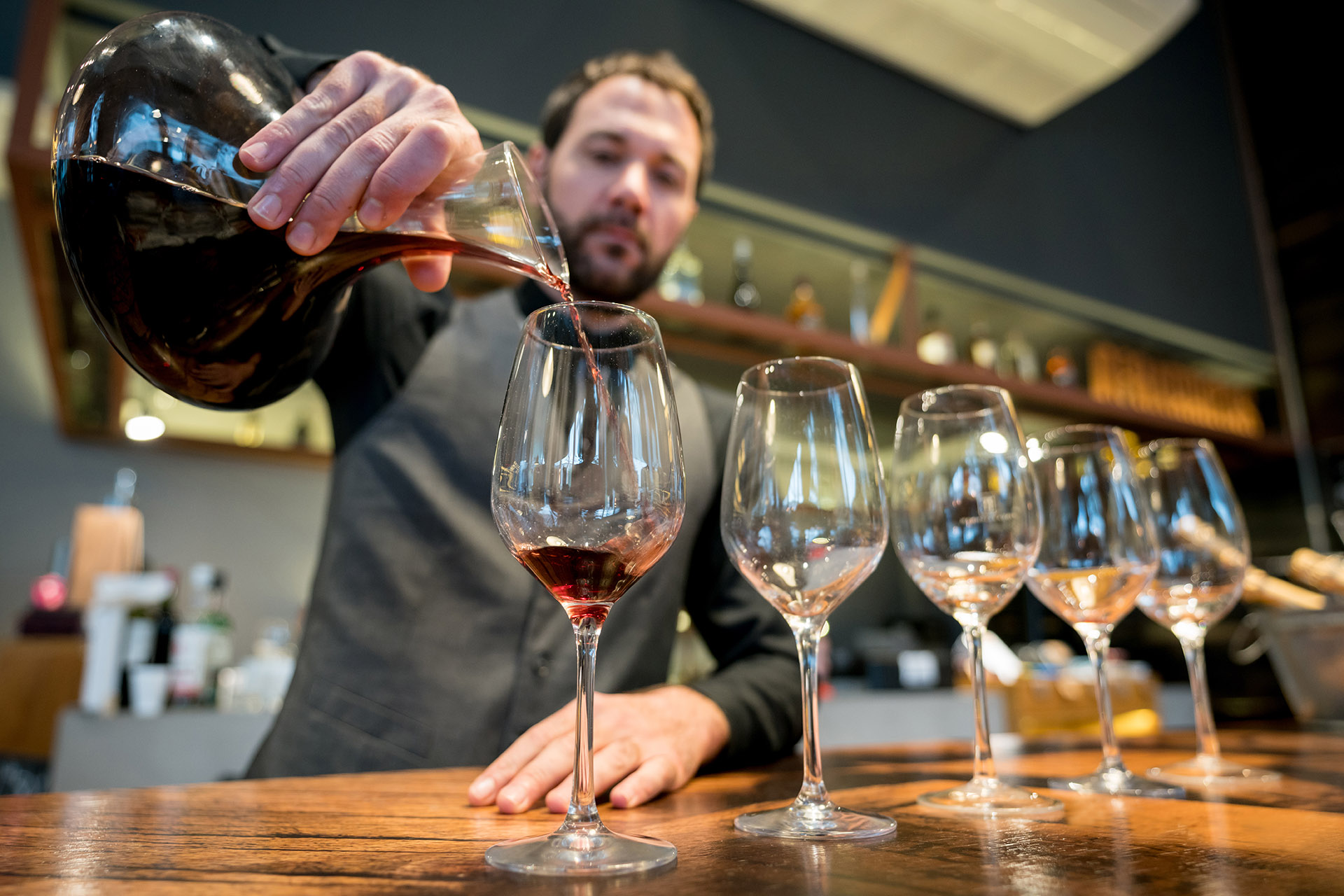 When Should You Decant Wine?