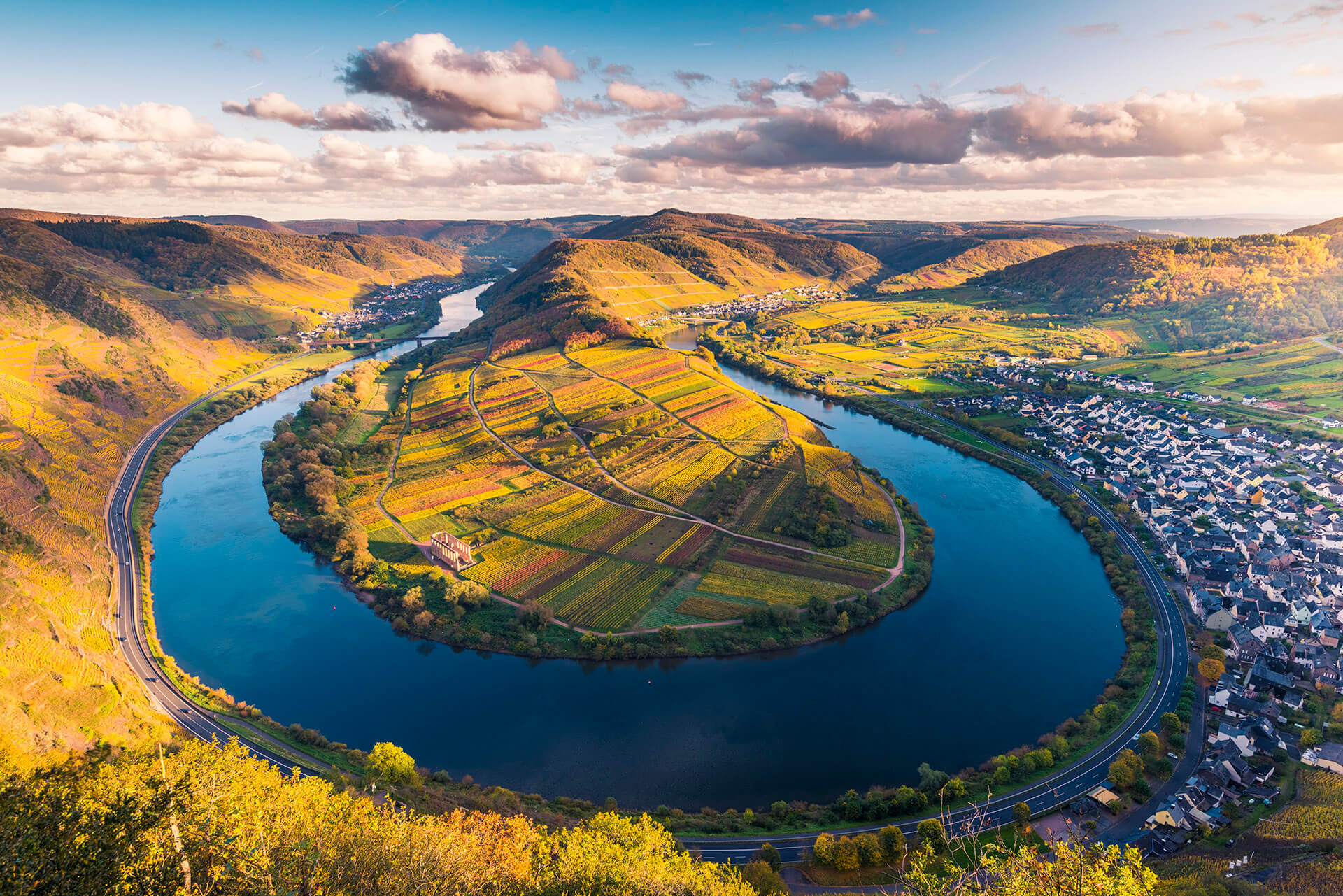 Famous viewpoint of the Moselle River doing a 180-dgree bend throught wine country