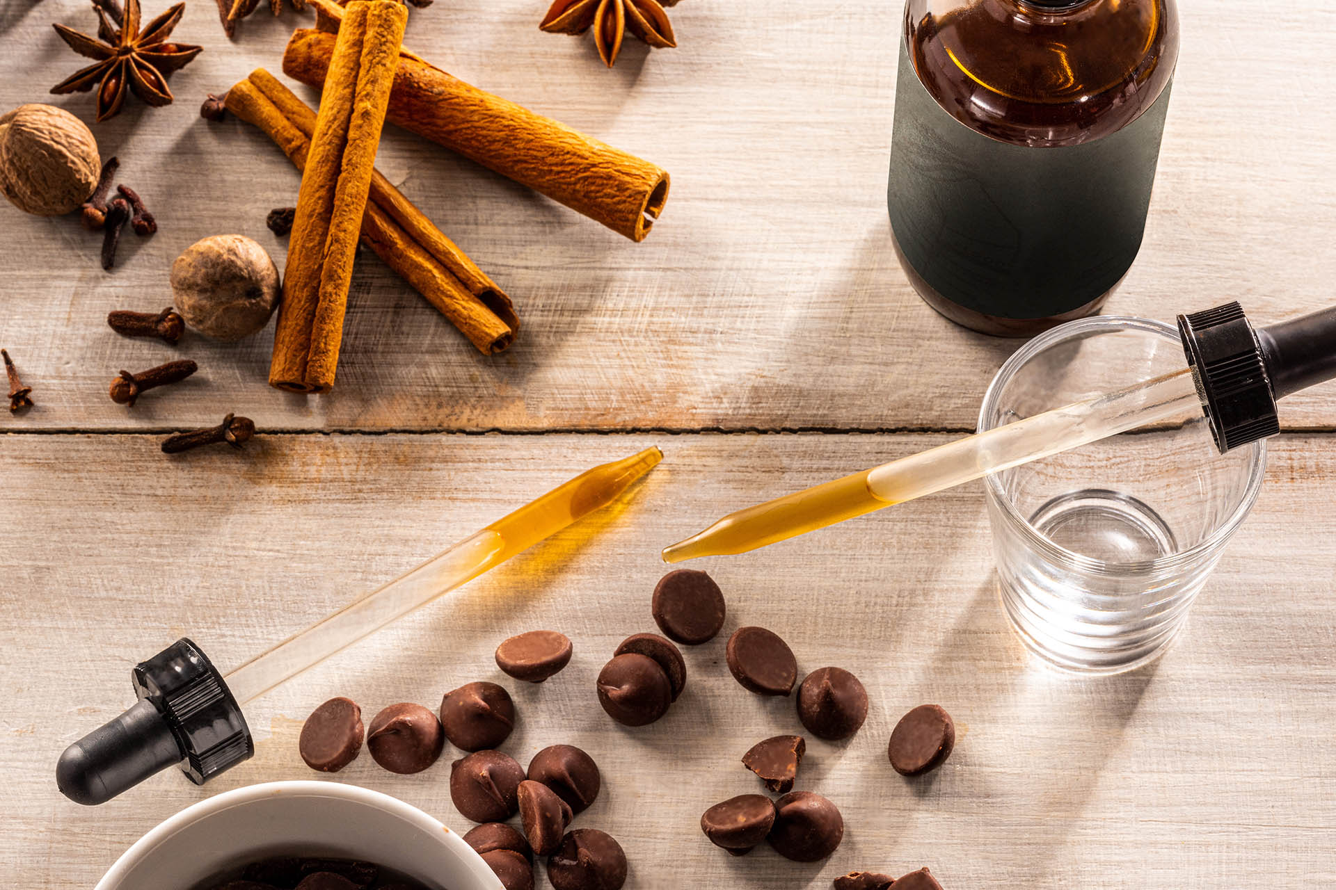 Chocolate chips, spices and bitters droppers
